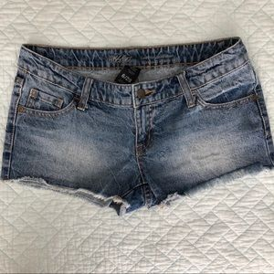 •Mossimo• Jean Short - Low Rise